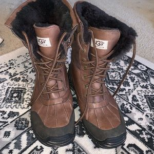 Ugg Adirondack brown winter boots size 9